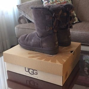 Ugg Bailey Bows in Brown Suede 8